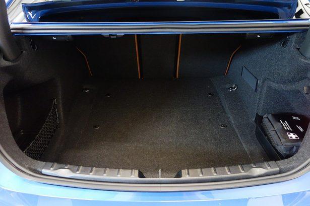 426158_1406426951979_slide bei BM-Automobile e.U. in